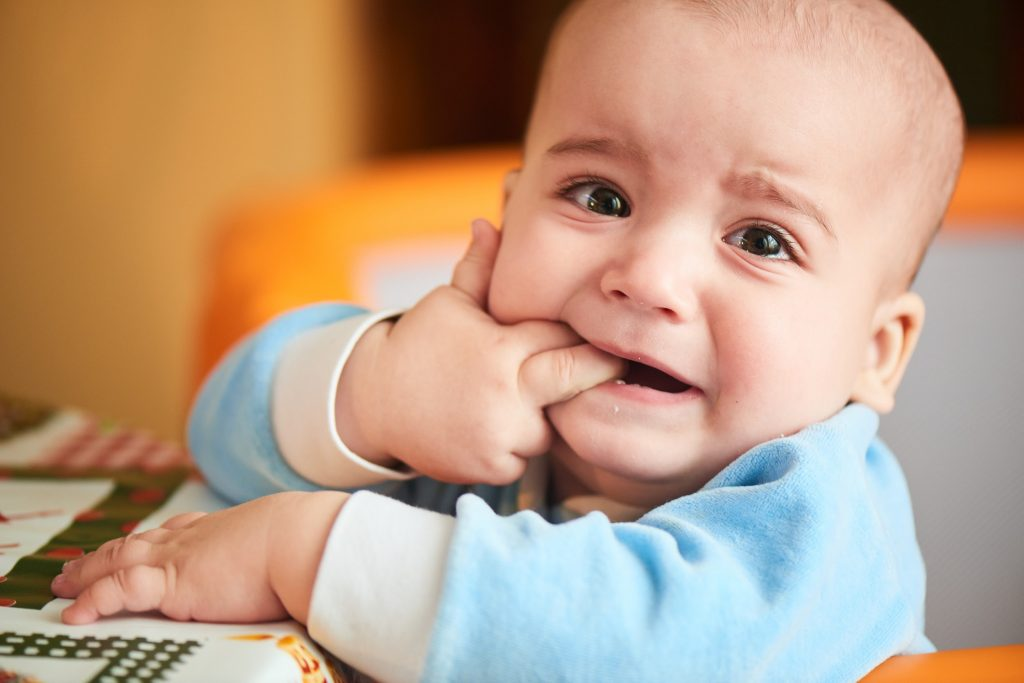 Mẹ có biết: Nên cai sữa cho bé khi nào?