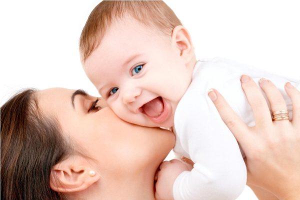 Nuôi con bằng sữa mẹ và tác dụng của cốm lợi sữa Lactamom